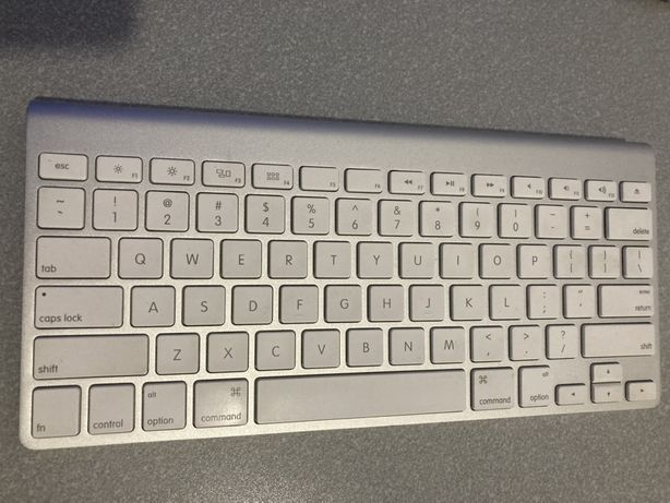Klawiatura Apple bluetooth  A1314 Macbook