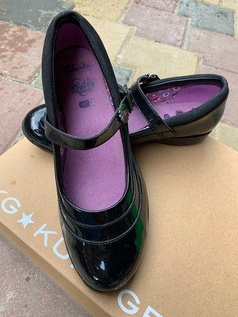 Clark's туфли для девочки 2,5 F стелька 22,5 см