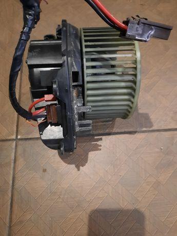 Пежо 605 вентирятор печки