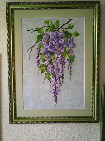 подарок дорогому человеку к любому празднику - цветы, вышитые лентами