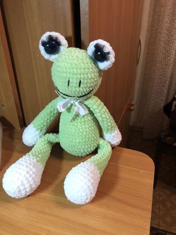 Детская игрушка лягушка