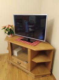 Szafka z litego drewna, narożna pod telewizor