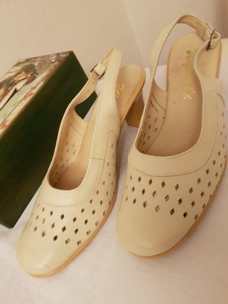 Buty damskie skórzane r. 40