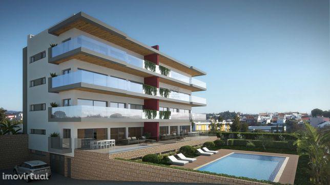 Lotes de Terreno - Edifício com Piscina - Projecto Incluído - Sesmaria
