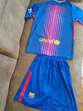 Продам футбольний костюм на 10-12 років 150 грн.