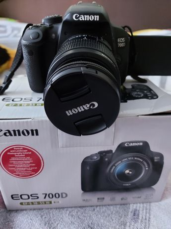 Фотоапарат canon eos700D.