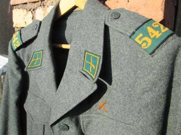 mundur szwajcarski, czapka, pas, góra.