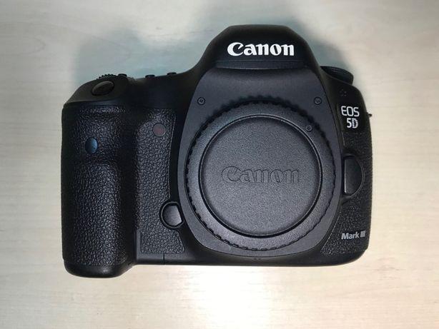 Фотоапарат Canon 5D mark 3