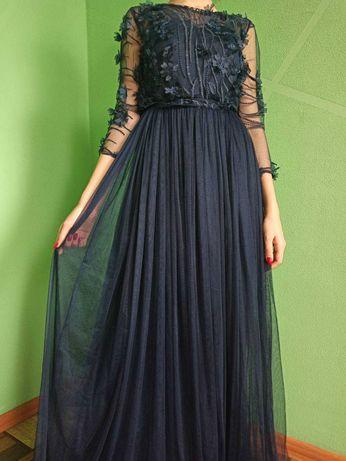 Вечернее платье на выпускной 4тыс.руб