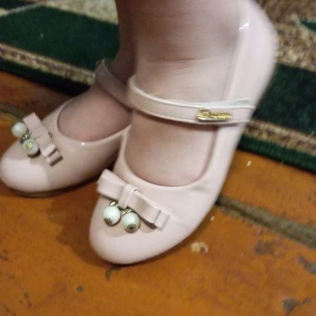 Туфли для девочки. р.30