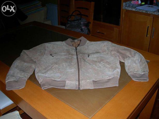 Vendo casaco em Pele