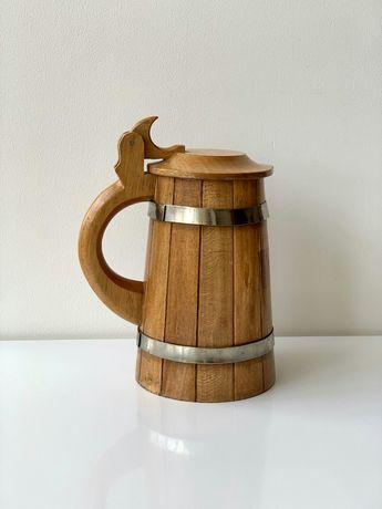 Пивная кружка из дерева с крышкой
