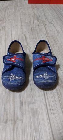Тапочки ( кроссовки  или туфли) 26 размер 16 см