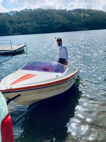 Barco Argus 5 lugares + atrelado e palamenta completa