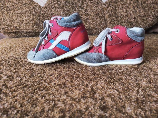 Ботинки, кроссовки, кросівки