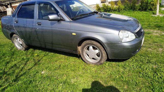 Продам хорошый автомобиль Приора