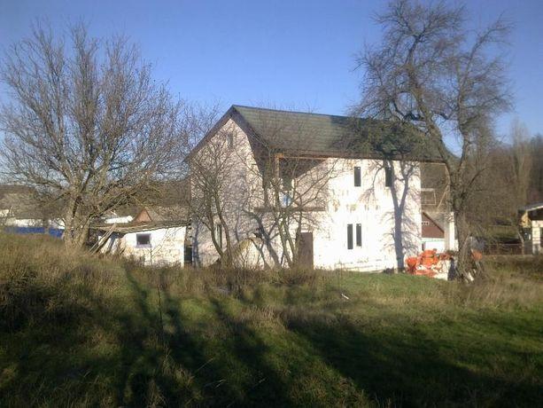 Продається земельний участок 40 соток з будинком