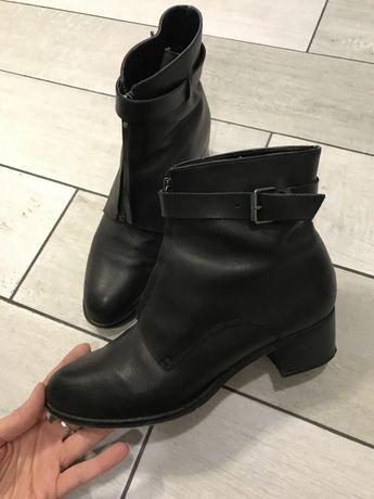 Женские кожанные черные  димисезонные ботинки Promod 38
