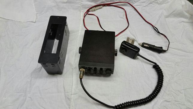 CB radio Uniden 520xl, antena CB President i kieszeń montażowa CB
