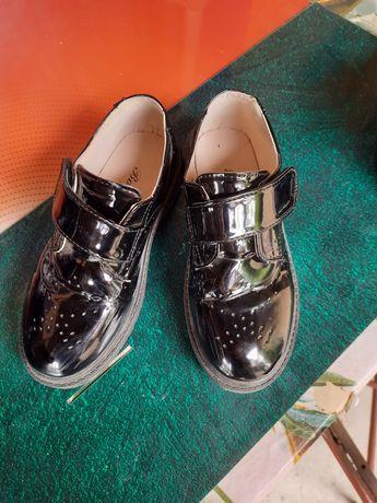 Новые туфли для мальчика 34 размер