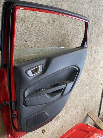 Ford fiesta mk7 tapicerka prawe drzwi tylnie USA