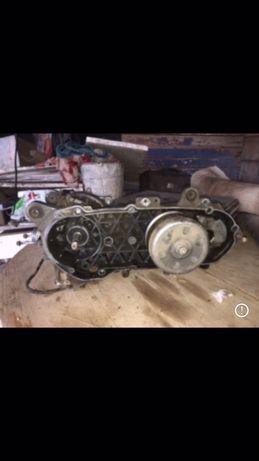 Двигатель (картера) Suzuki Lets 2