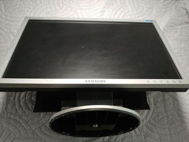 Monitor Samsung syncmaster 940nw LCD 19 cali D-SUB