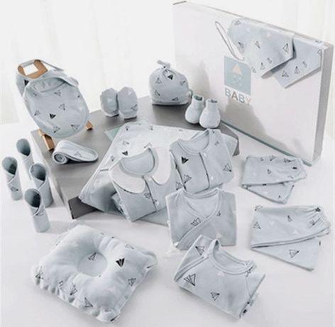 Подарочный набор для новорожденного из 22 вещей. Вещи подарок малышу