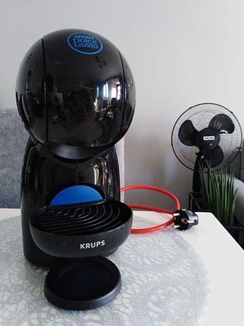 Ekspres kapsułkowy do kawy Nescafe Dolce Gusto xs w kolorze czarnym