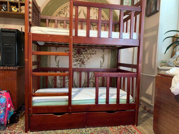 Детская двухъярусная кровать 70/140 из натурального дерева с ящиками.