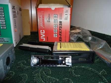 radiomagnetofon JVC ze zmieniarką CD