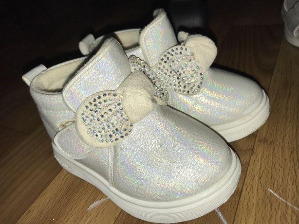 Весенняя обувь для девочки