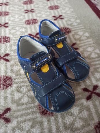 Дитяче взуття,стан 4 з 5