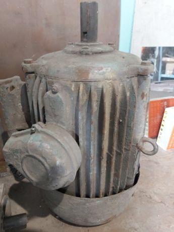 электродвигатель 15кВт 3000 об