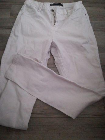 Sprzedam białe spodnie rozmiar 38