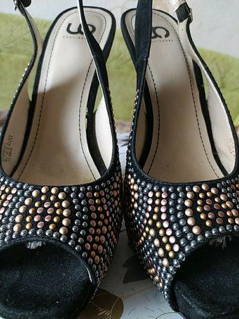 Очень нарядные туфли босоножки