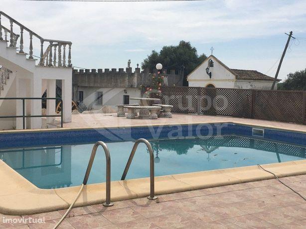 Monte com moradia T4 no Redondo, com piscina