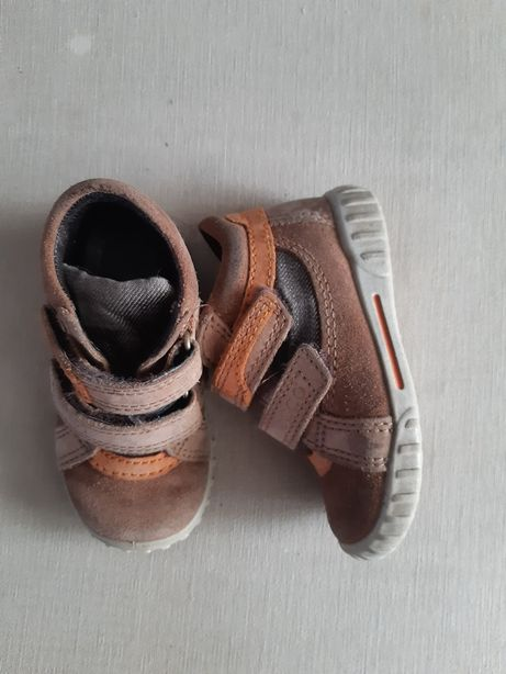 Jesienne  buty firmy Ecco roz.21