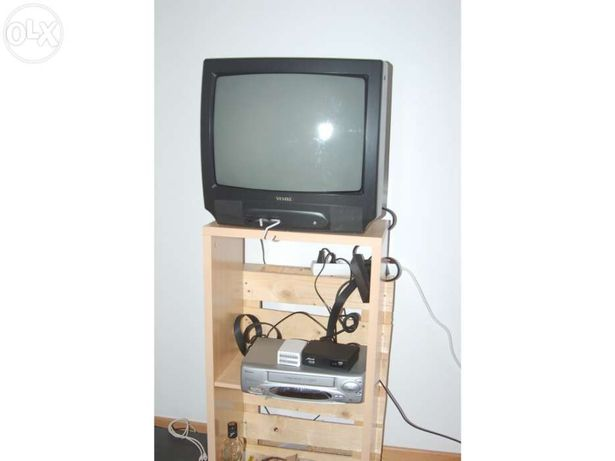 TV + TDT + vídeo + móvel com 4 meses