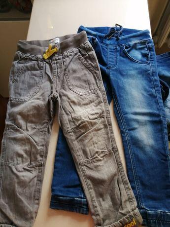 Spodnie jeansowe i swetry 98-104