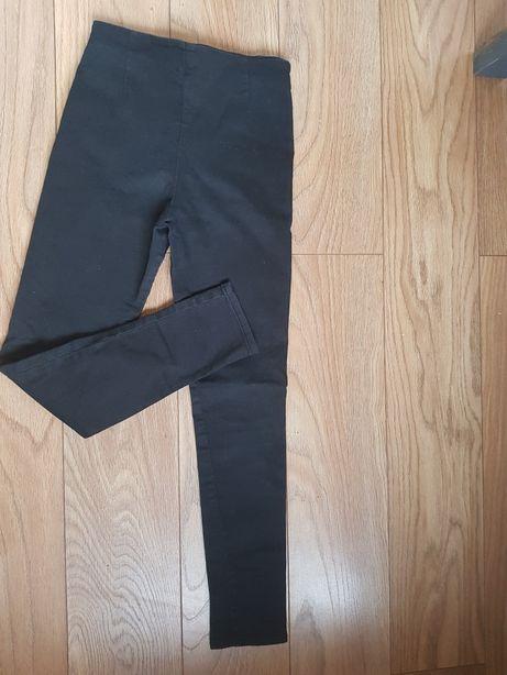 Продам джинсы  стрейчивые для девочки
