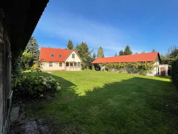 Dom z dużym ogrodzonym parko lasem (2.3 ha.) 40 min od Lublina.