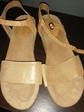 Sandały koturny Lasocki