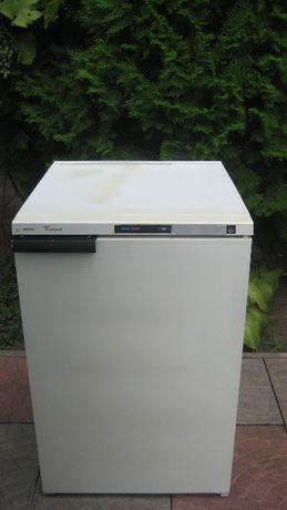 Мини морозильная камера Whirpool 85 см