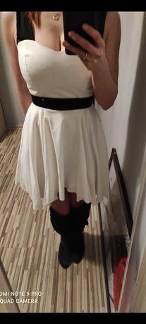 Sprzedam biały sukienkę idealną na lato:)