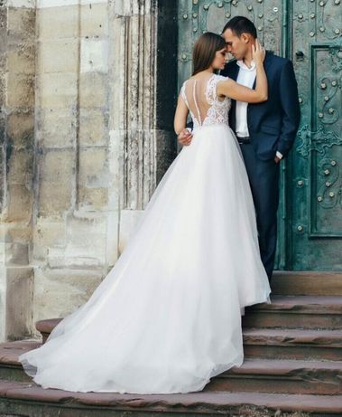 Продам розкішну весільну сукню