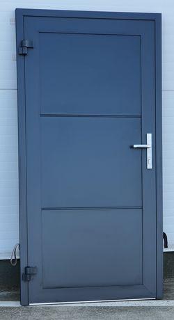 Drzwi garażowe aluminiowe pod wymiar np. 900x2000 kolor min. antracyt