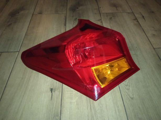 Lampa tył auris 2 lewa hb