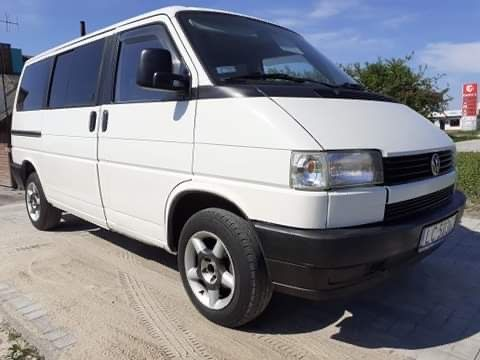 VW T4 CARAVELLE 2,5 R5 110KM benzyna 8-osób STAN BDB hak