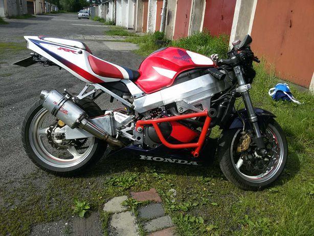 Honda cbr 929 sc44 street